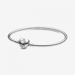 Pandora Pandora Moments Heart Clasp Bangle